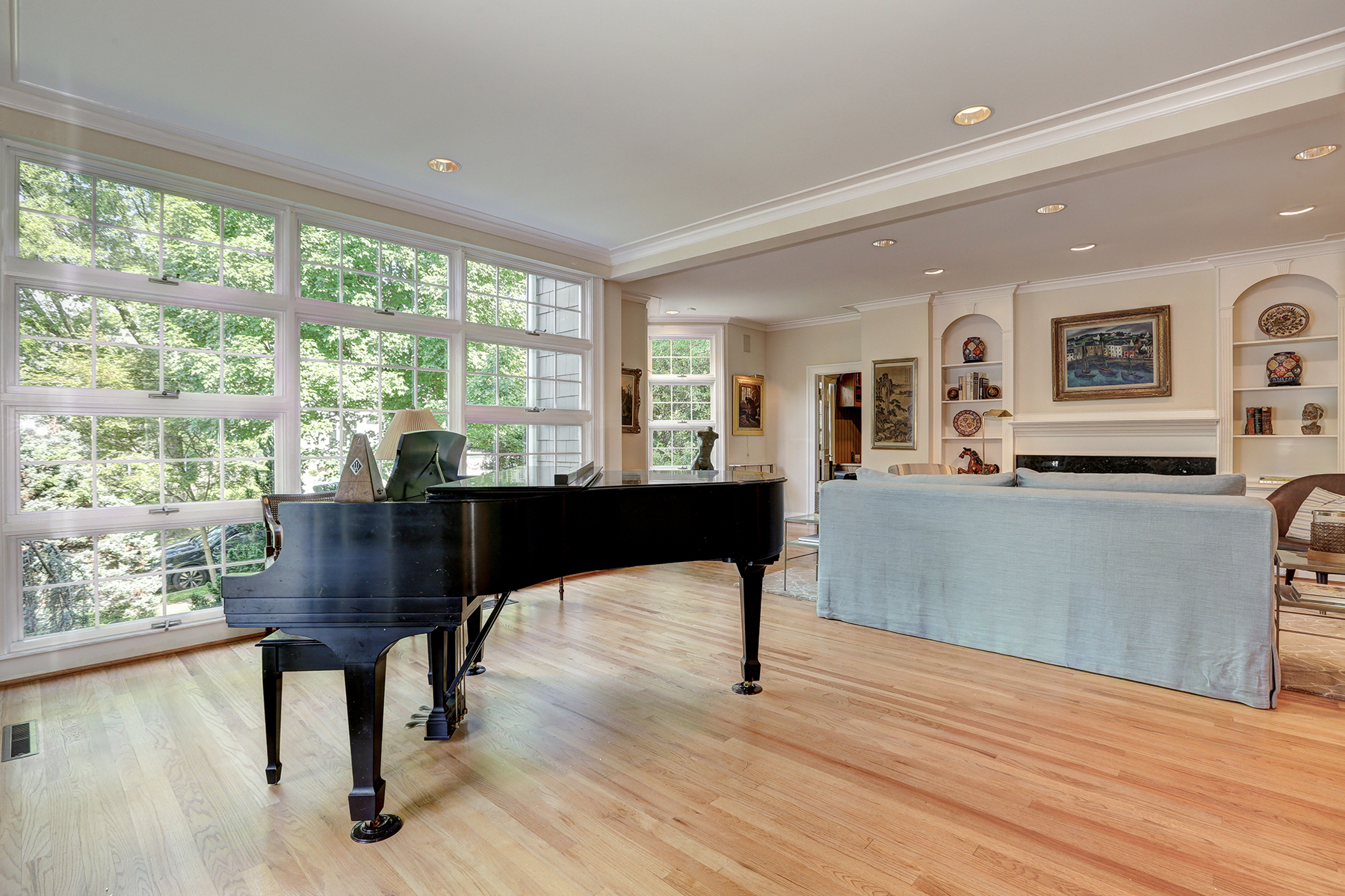 Additional photo for property listing at 7207 Delfield Street, Chevy Chase  切维莱斯, 马里兰州 20815 美国