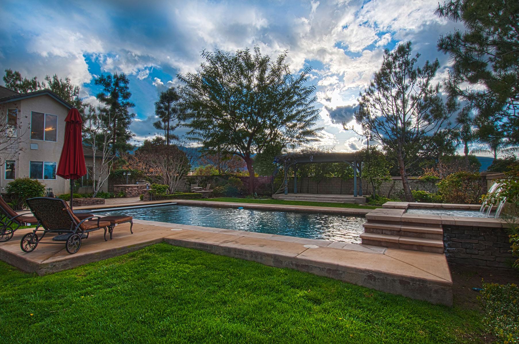 獨棟家庭住宅 為 出售 在 605 Jocelyn Way Corona, 加利福尼亞州 92881 美國