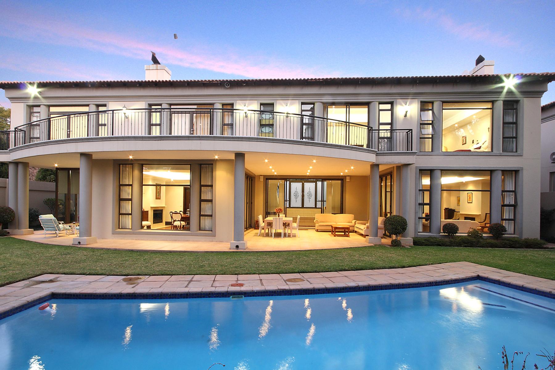 Moradia para Venda às A house in Illovo Other Gauteng, Gauteng África Do Sul