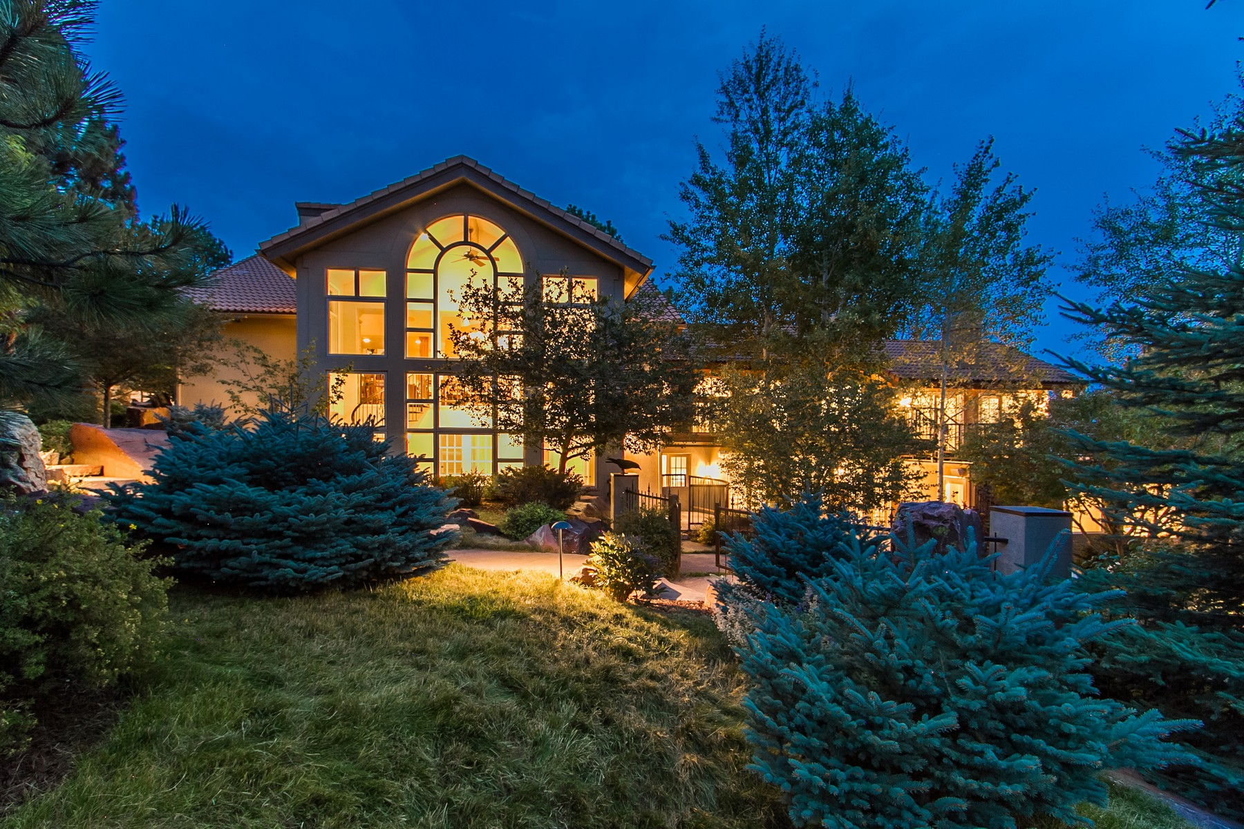 Single Family Home for Sale at Mountain Living in Style! 1952 Montane Drive East Golden, Colorado, 80401 United States