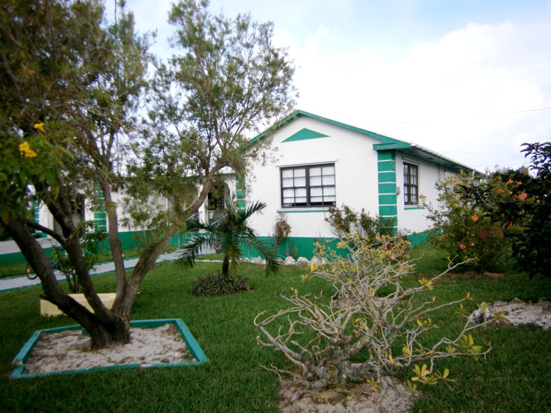 Single Family Home for Sale at 28th & Hilton Street Waterfront Home Spanish Wells, Eleuthera Bahamas
