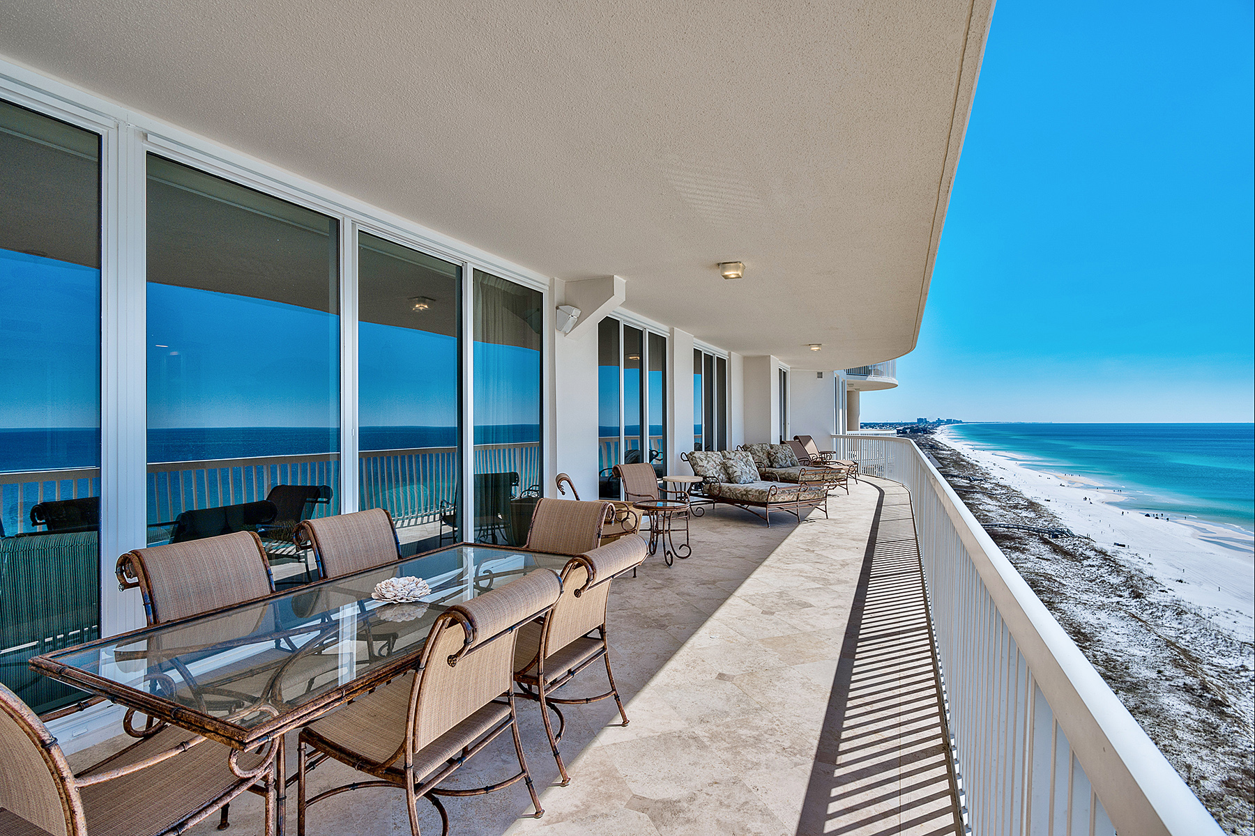 Appartement en copropriété pour l Vente à LUXURY GULF FRONT PENTHOUSE 15400 Emerald Coast Pkwy PH2B and T-135 Destin, Florida, 32541 États-Unis
