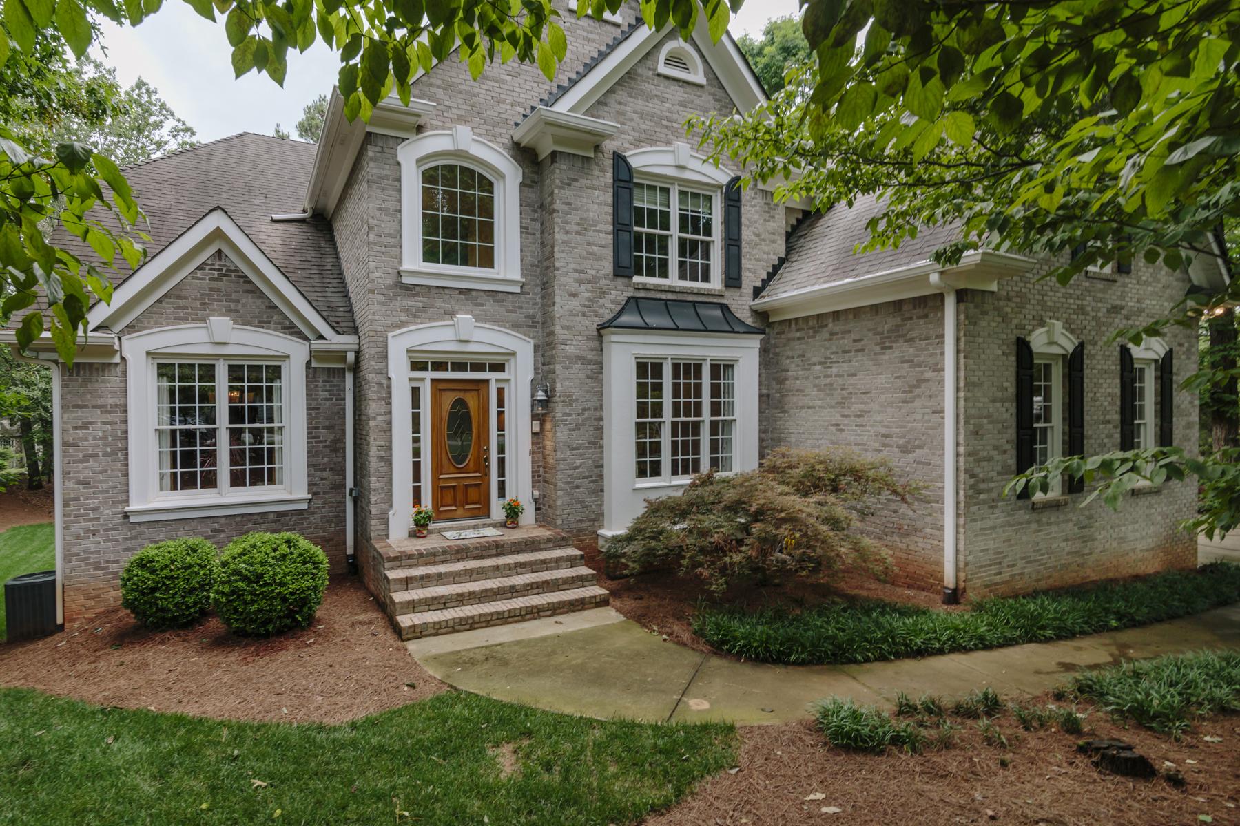 獨棟家庭住宅 為 出售 在 Surprising Home In Sought After Community 340 N Peak Drive Alpharetta, 喬治亞州, 30022 美國