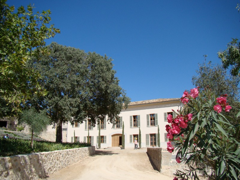 Single Family Home for Sale at 300 Years-old Renovated Finca in Puigpunyent Puigpunyent, Mallorca, 07194 Spain