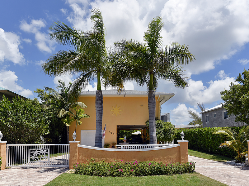 Single Family Home for Sale at Fabulous Concrete Home 166 Ocean Shores Drive Key Largo, Florida 33037 United States