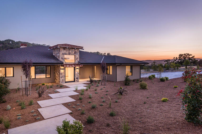 Single Family Home for Sale at Modern Contemporary Home in Santa Ysabel Ranch 2125 Warm Springs Lane Templeton, California, 93465 United States