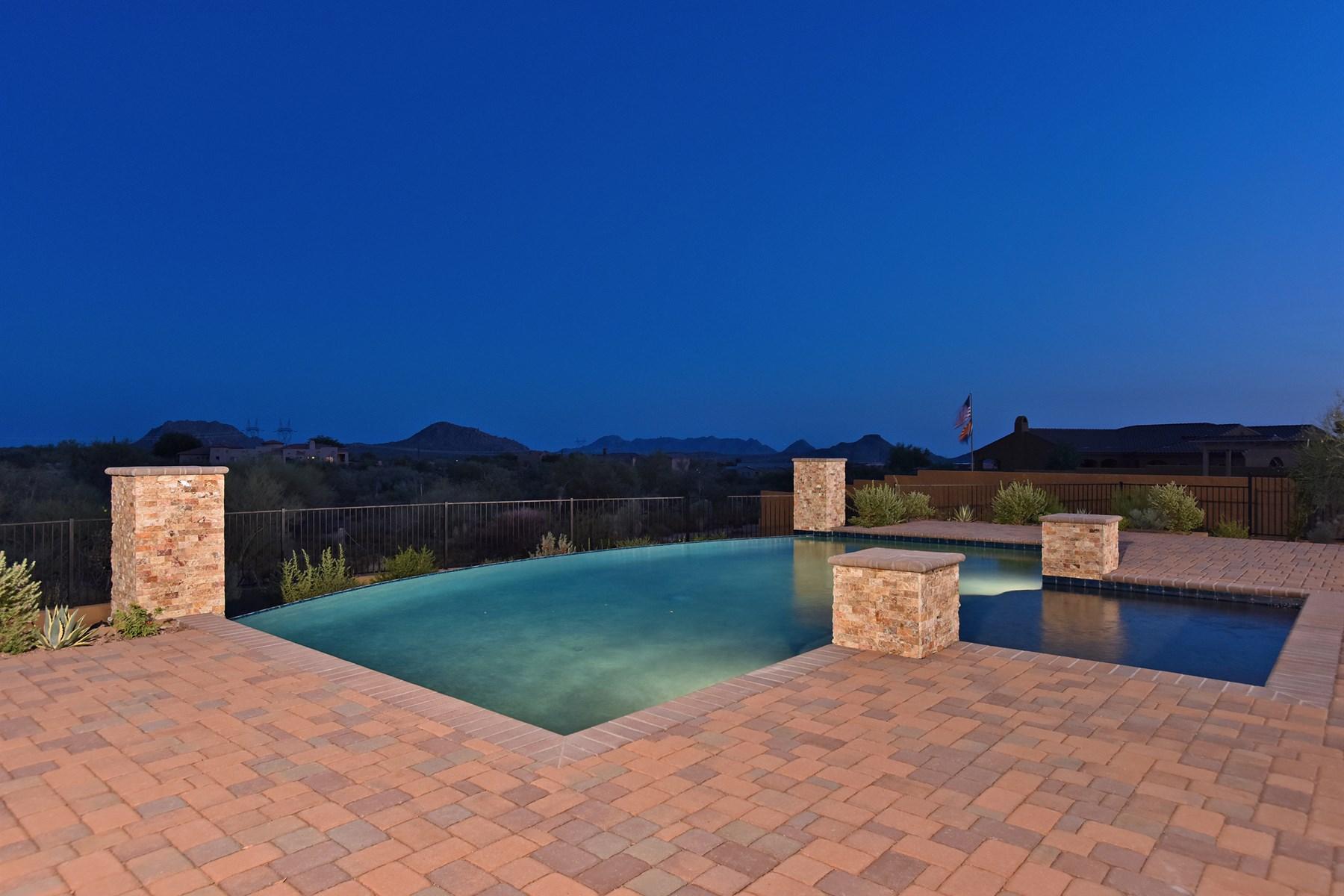 단독 가정 주택 용 매매 에 Modern luxury and energy efficiency in this new build home. 36965 N 109TH WAY Scottsdale, 아리조나 85262 미국