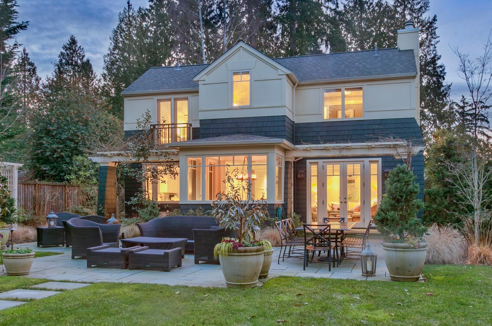 獨棟家庭住宅 為 出售 在 Yarrow Point 4010 94th Ave NE Yarrow Point, 華盛頓州, 98004 美國