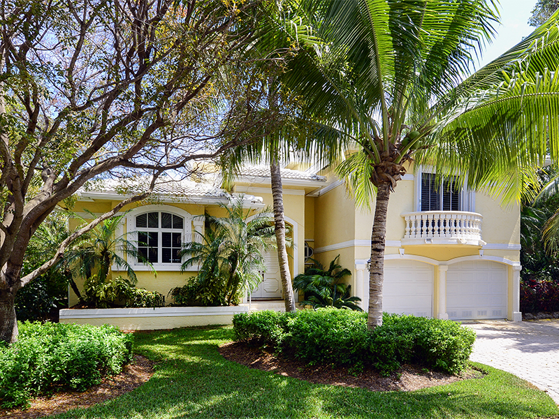 Nhà chung cư vì Bán tại Spacious Condominium Living at Ocean Reef 550 Coral Lane Ocean Reef Community, Key Largo, Florida 33037 Hoa Kỳ