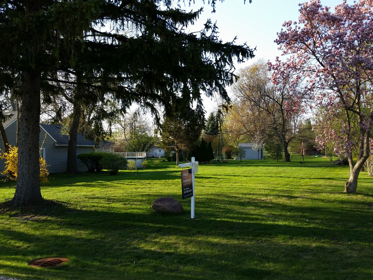 Land for Sale at 210 Holly Ave. Darien, Illinois 60561 United States