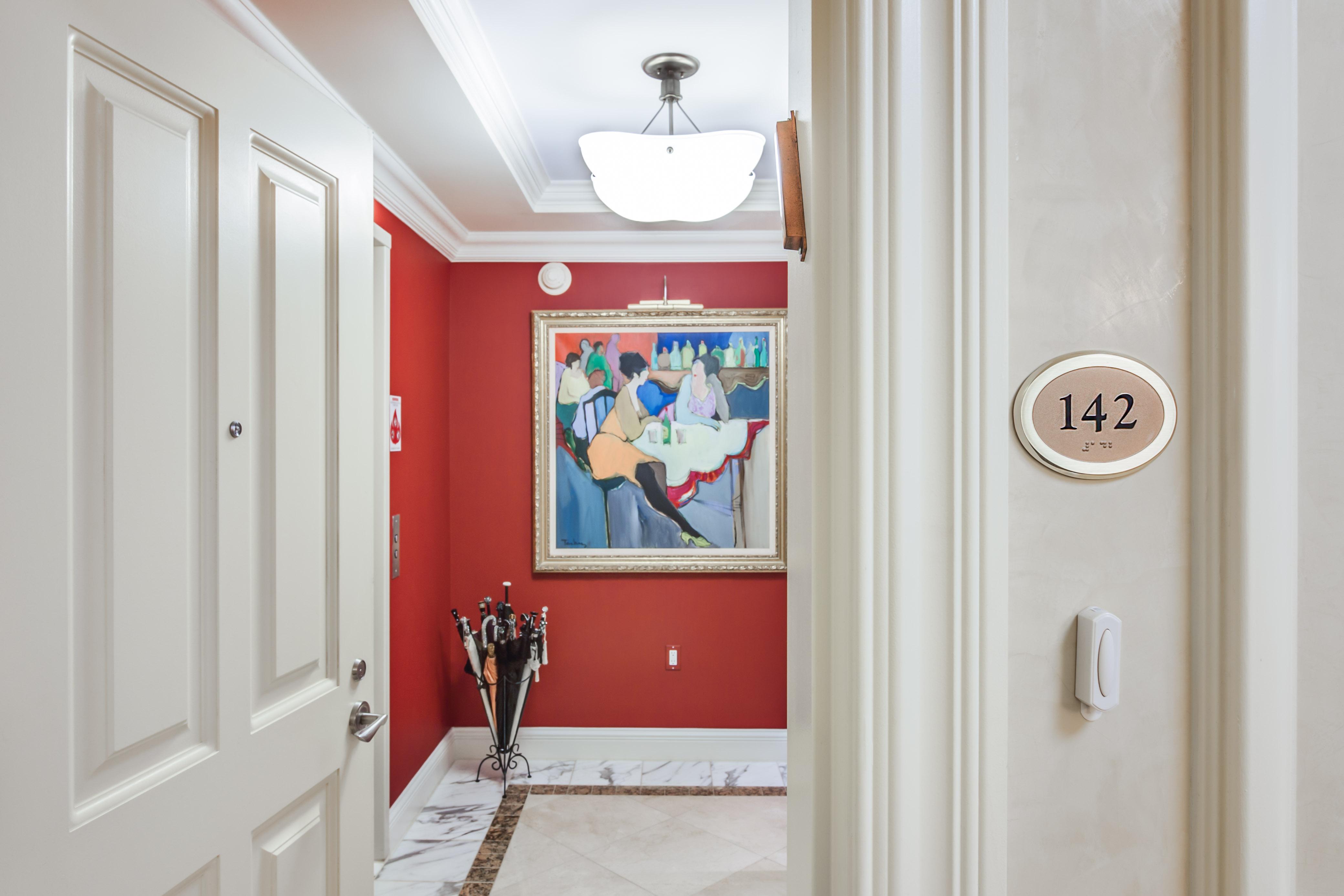 Kat Mülkiyeti için Satış at The Ritz Carlton Residence 801 Key Highway #142 Baltimore, Maryland, 21230 Amerika Birleşik Devletleri
