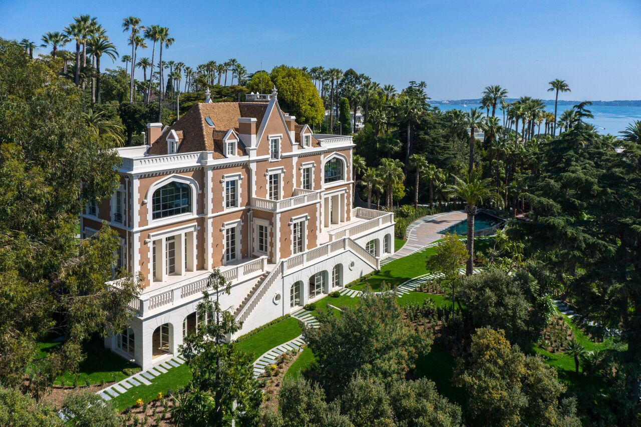 Single Family Home for Sale at Exceptional castle from the 19th century Cannes Cannes, Provence-Alpes-Cote D'Azur 06400 France