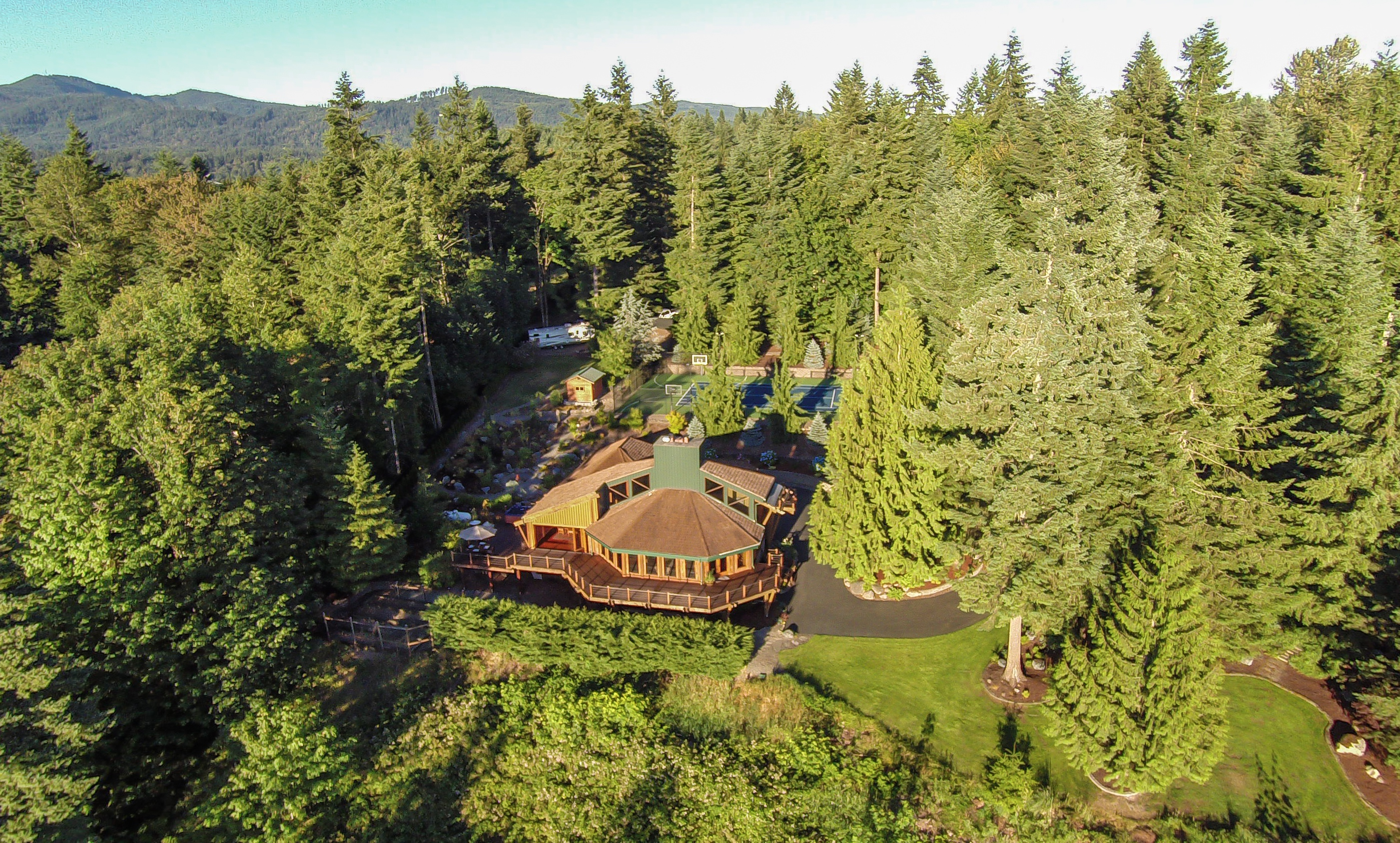 Single Family Home for Sale at Maple Valley Estate 23724 SE 170th St Maple Valley, Washington 98027 United States