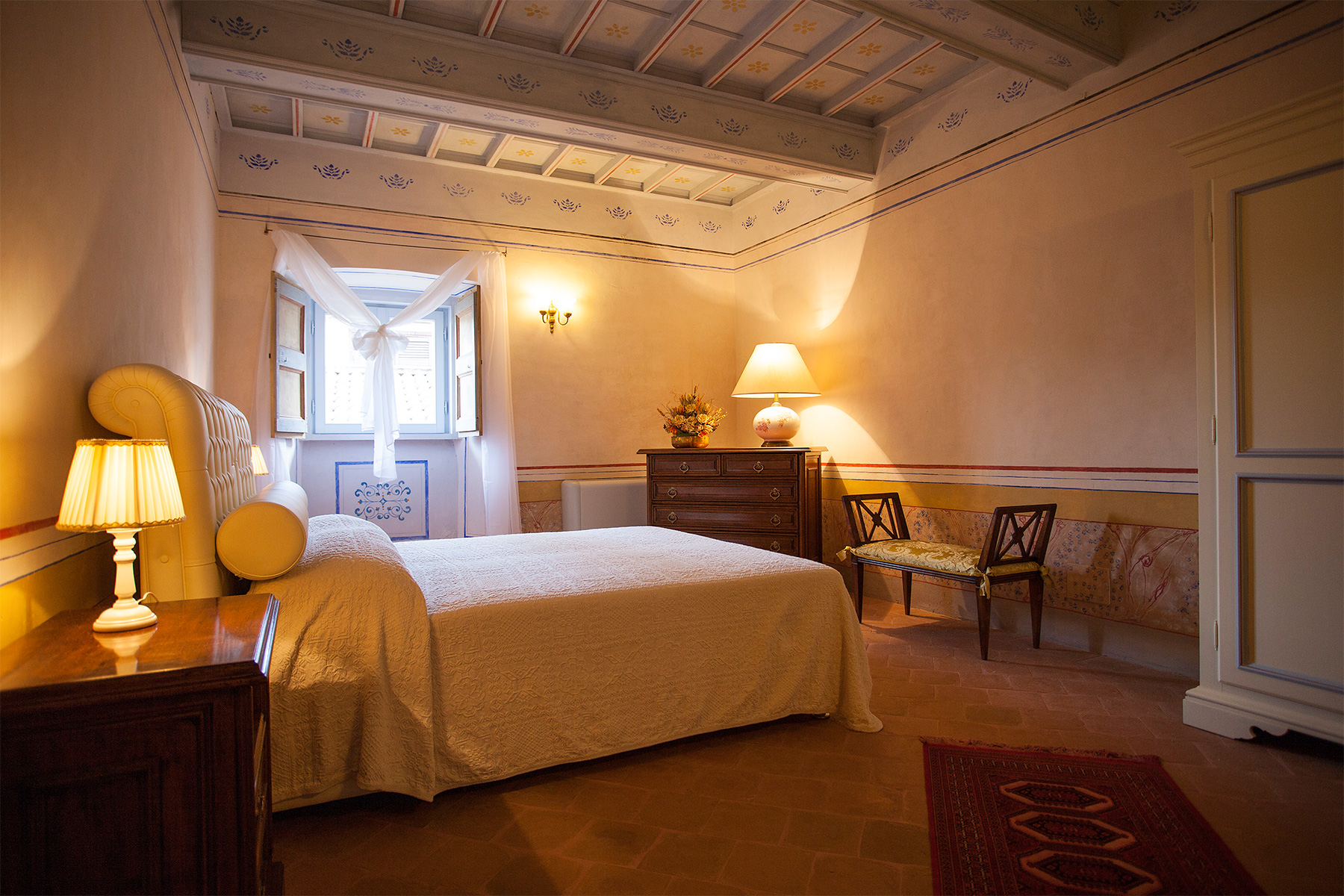 Additional photo for property listing at Wonderful renovated historic building Norcia Perugia, Perugia 06047 Italia