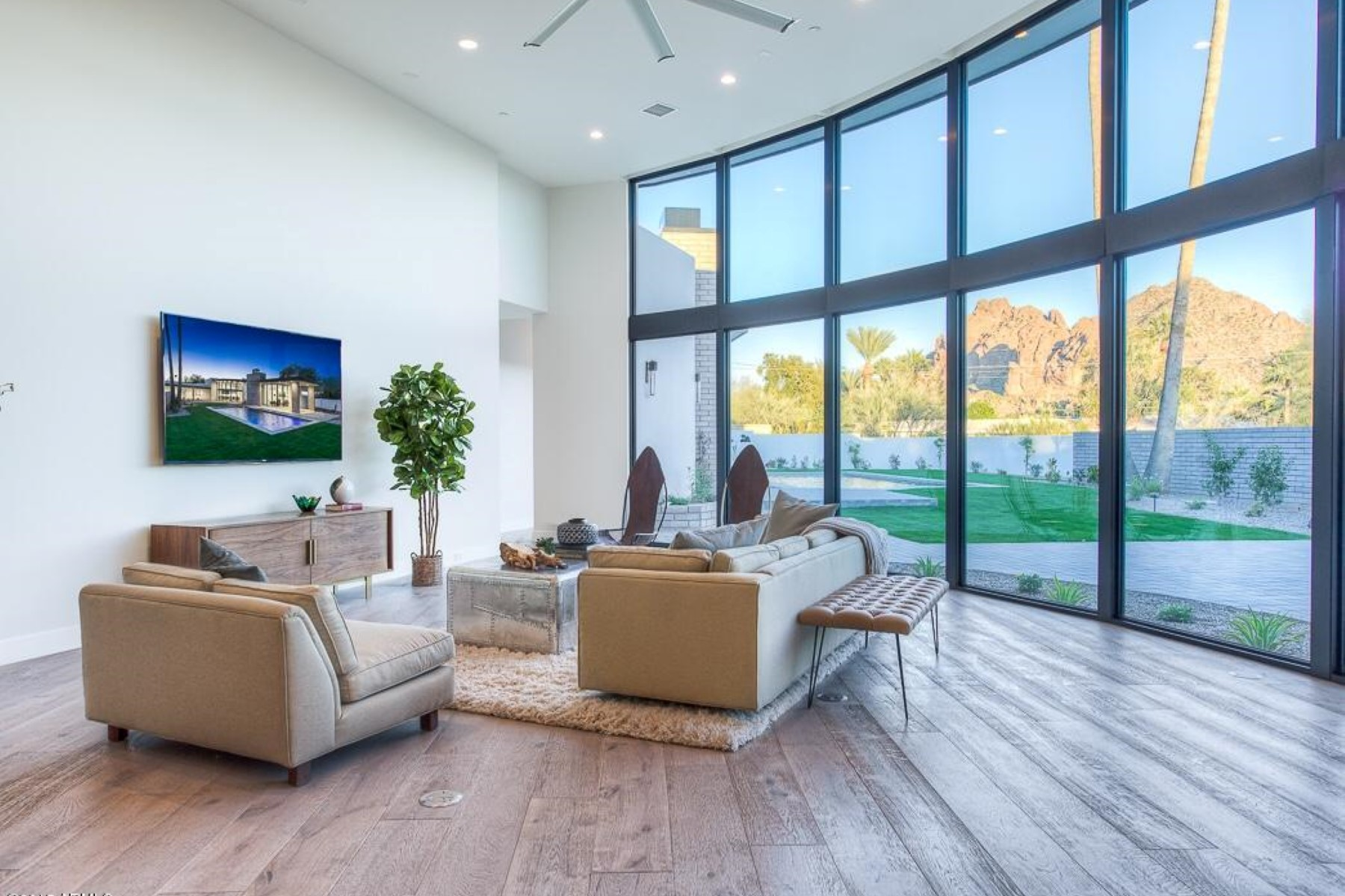 Single Family Home for Sale at Stunning Modern Masterpiece was flawlessly crafted and designed by Two Hawks. 5430 N 41ST ST Phoenix, Arizona 85018 United States