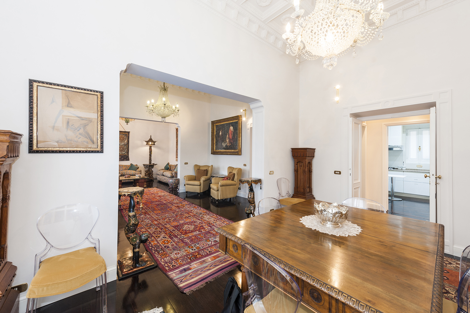 Additional photo for property listing at Prestigious top floor at Porta Pinciana Via Nomentana Rome, Rome 00198 Italien