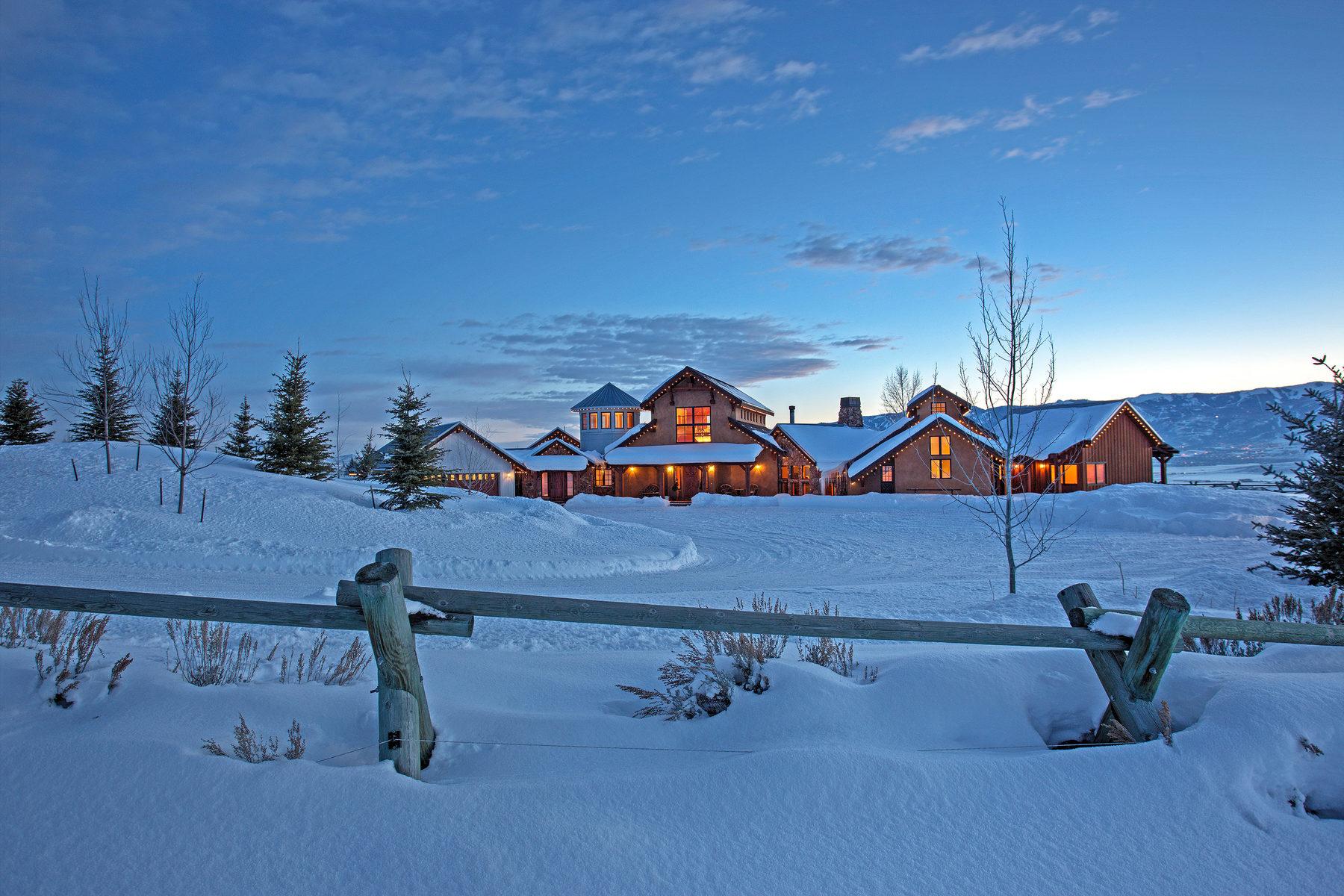 Ferme / Ranch / Plantation pour l Vente à Iconic Single Level Ranch Home With Spectacular Views 8845 N Silver Creek Rd Park City, Utah 84098 États-Unis