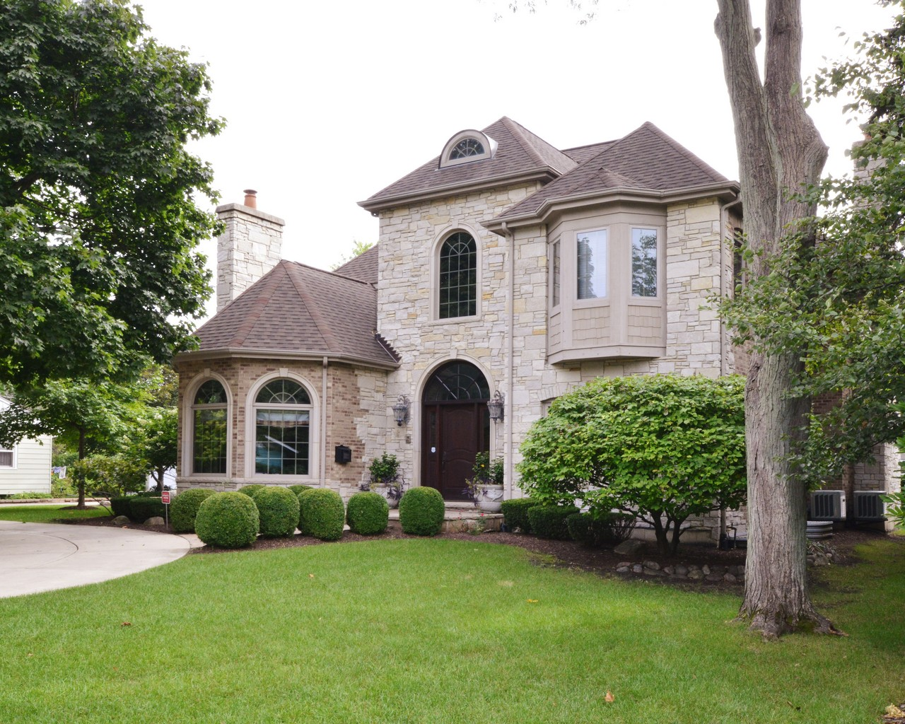 Single Family Home for Sale at 415 Phillippa Street 415 Phillppa Street Hinsdale, Illinois 60521 United States