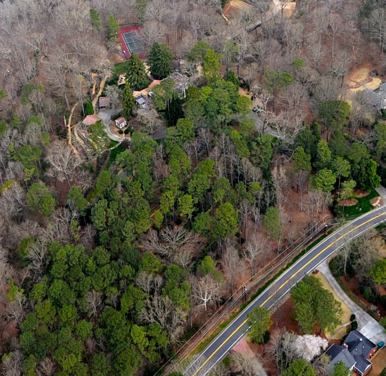 Terrain pour l Vente à Spectacular 8 Acres In Sandy Springs 1295 Heards Ferry Road Atlanta, Georgia 30328 États-Unis