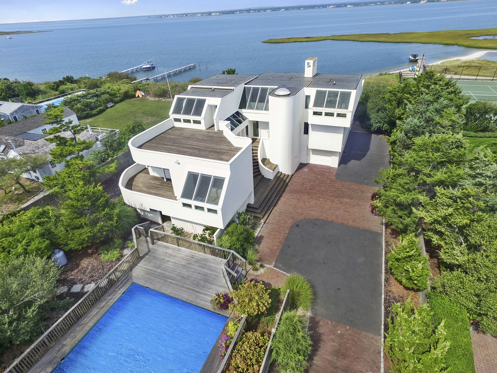 단독 가정 주택 용 매매 에 Intriguing Bayfront Home 482 Dune Road Westhampton Beach, 뉴욕 11978 미국