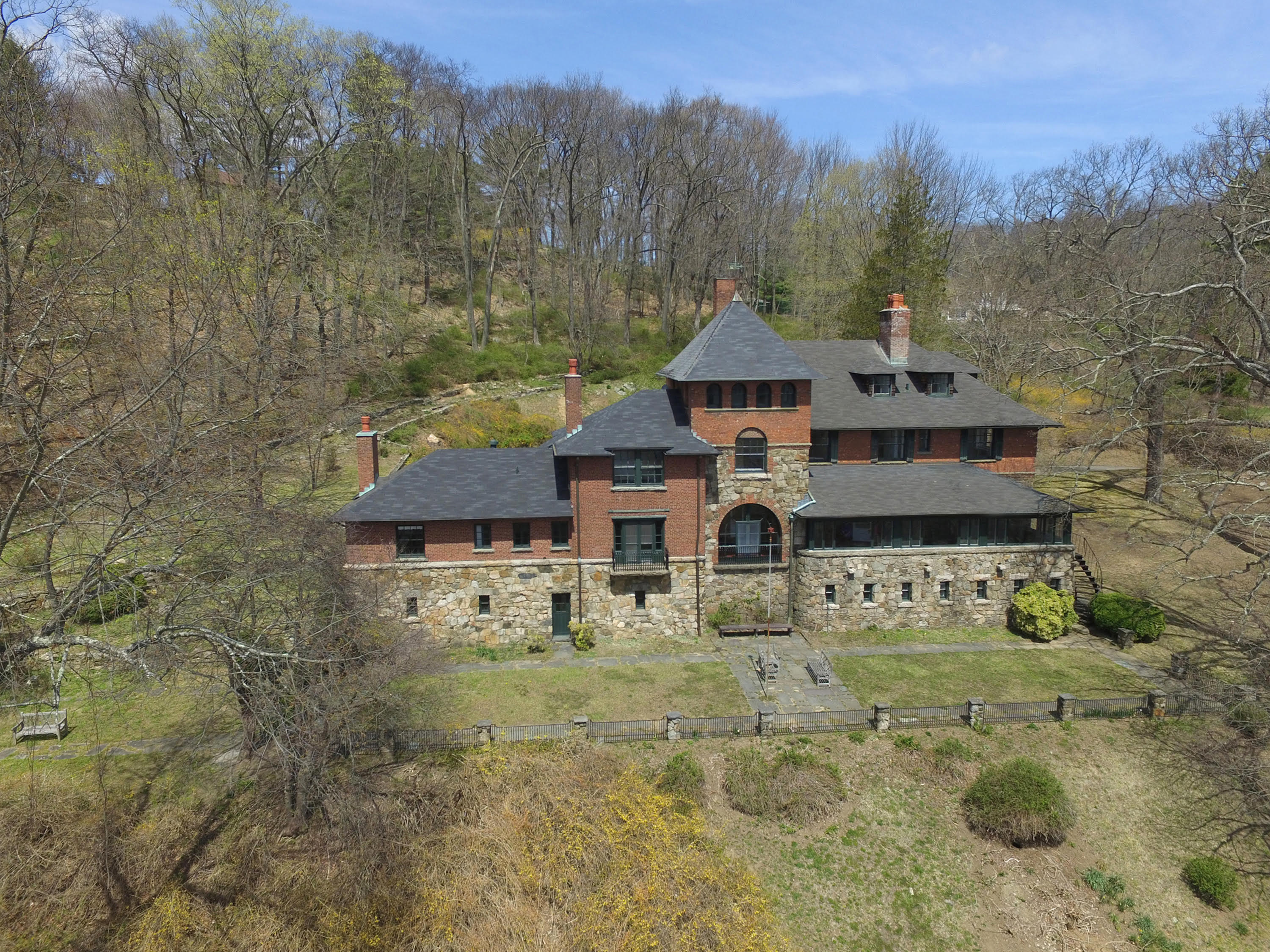 Casa Unifamiliar por un Venta en Historic TB Baldwin Estate 15 Summit Rd Tuxedo Park, Nueva York, 10987 Estados Unidos
