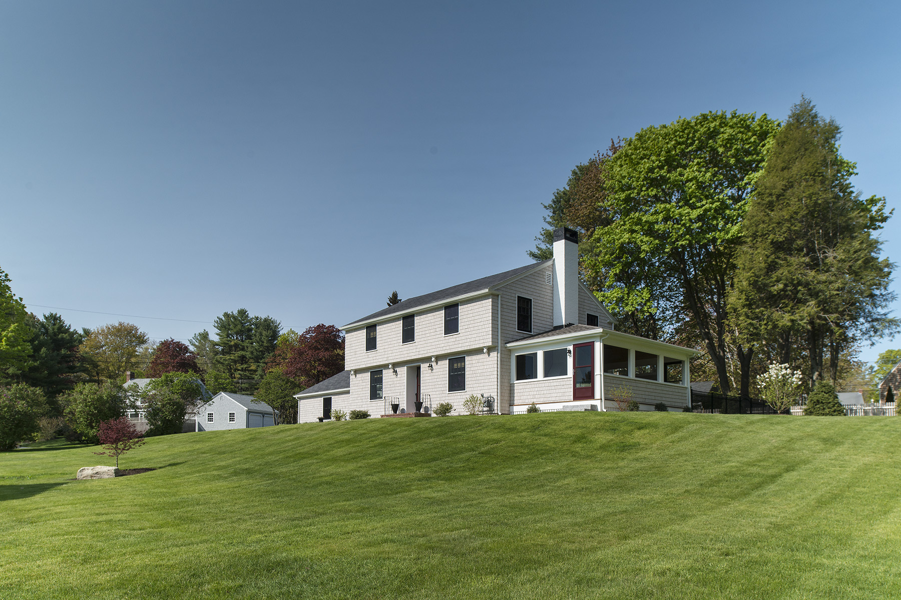 Single Family Home for Sale at 4 Sea Cove Road Cumberland, Maine, 04110 United States