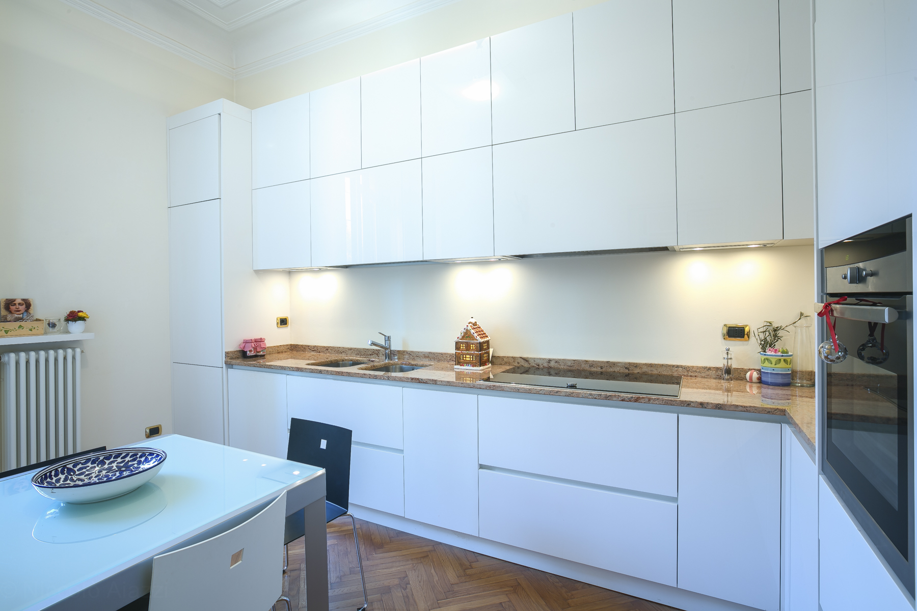 Additional photo for property listing at Renovated apartment in Fiera zone via Mosè Bianchi Milano, Milan 20149 Italie