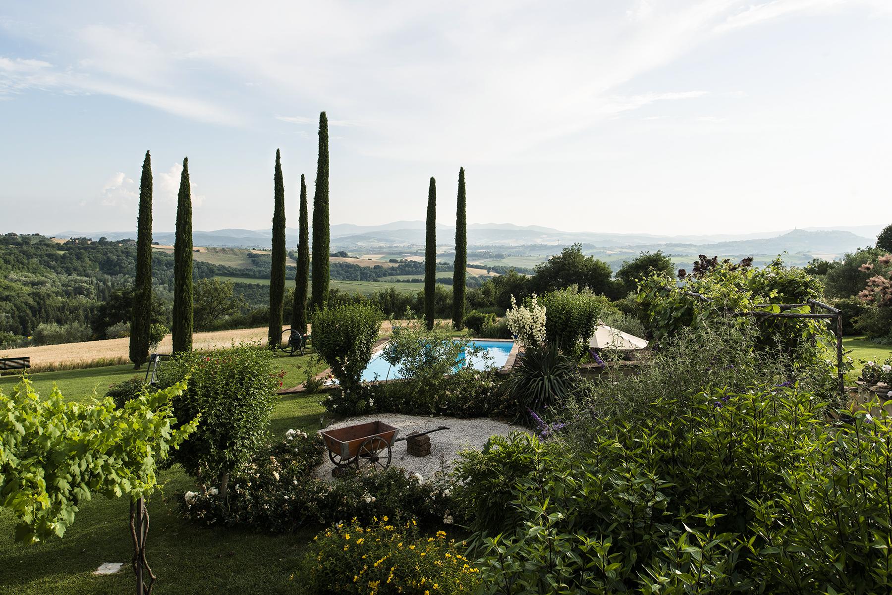Single Family Home for Sale at Enchanting estate on the Umbrian hills Todi Frazione Monticello vocabolo le mandorelle Todi, Perugia 06059 Italy