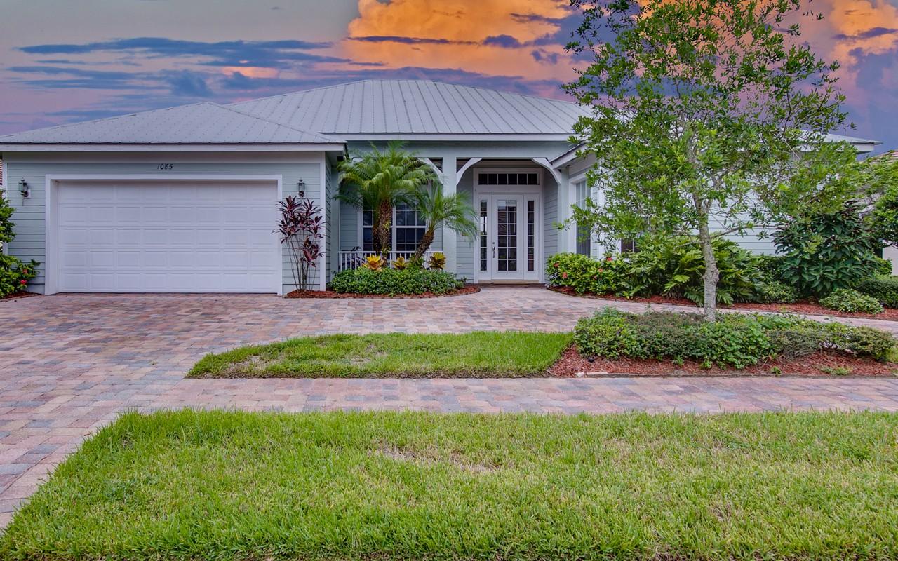 Casa Unifamiliar por un Venta en Beautiful Ansley Park Home 1085 Bickhead Drive SW Vero Beach, Florida, 32968 Estados Unidos
