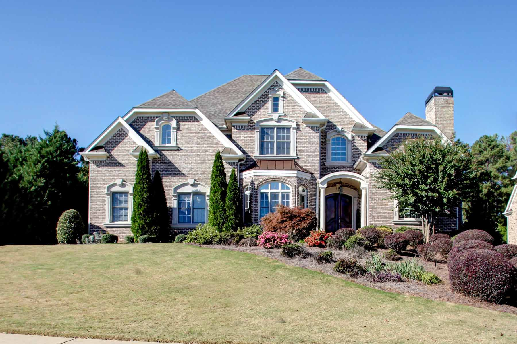 Casa para uma família para Venda às Stunning Golf Course Home 141 Cedar Woods Trail Canton, Geórgia 30114 Estados Unidos