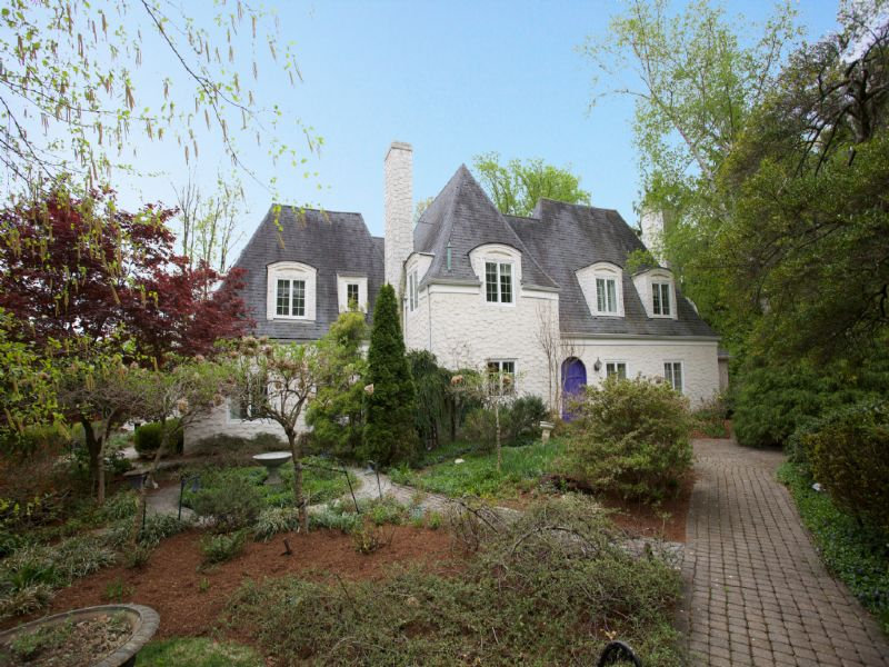Maison unifamiliale pour l Vente à French Normandy Estate 63 Stonebridge Road Montclair, New Jersey 07042 États-Unis