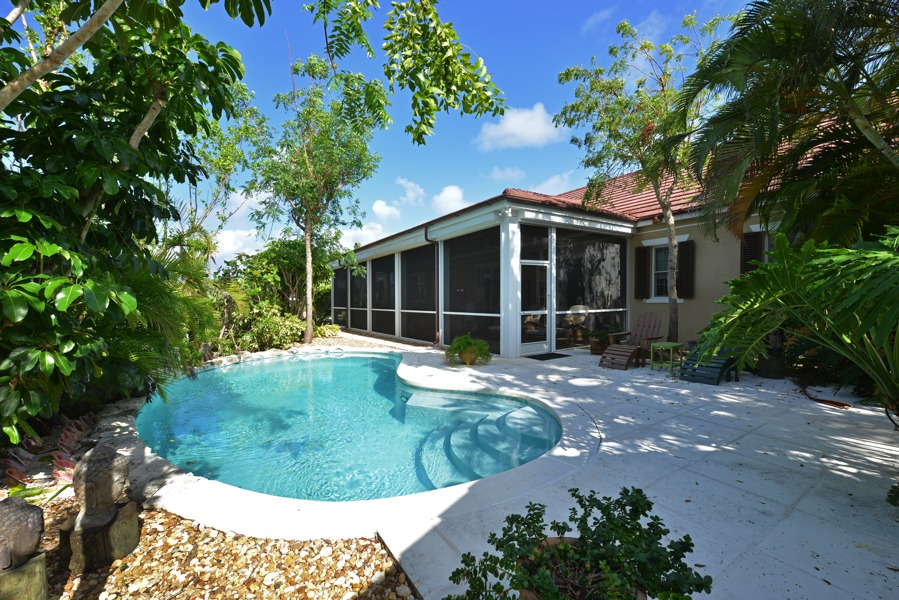 Single Family Home for Sale at Islands at Old Fort Old Fort Bay, Nassau And Paradise Island Bahamas