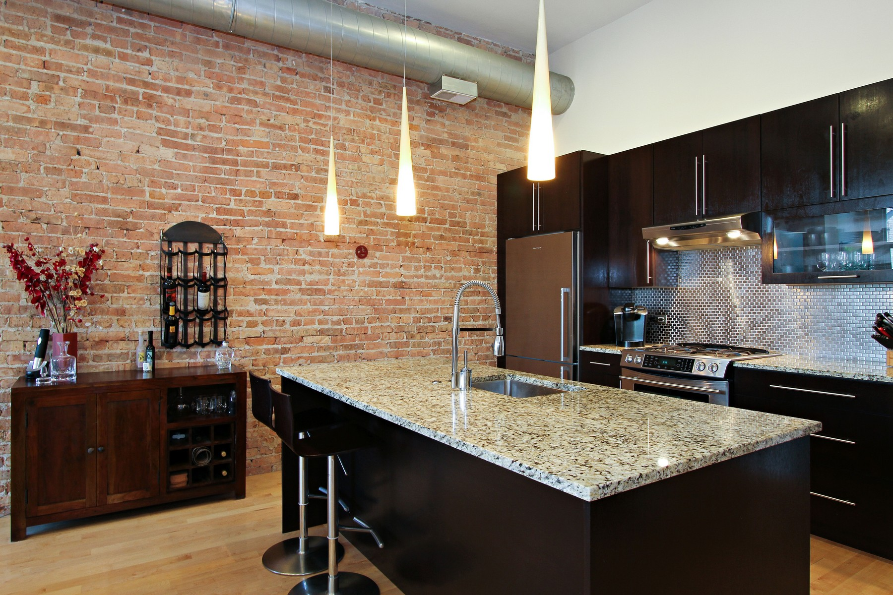 Single Family Home for Sale at A Unit Not To Miss 2411 W Walton Street Unit 2D Chicago, Illinois, 60622 United States