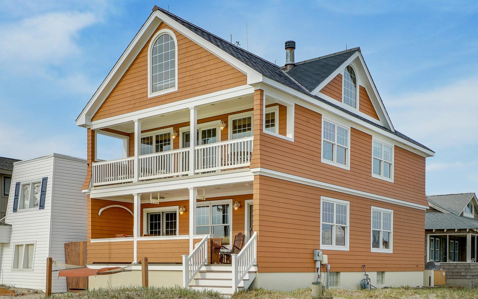 Casa Unifamiliar por un Venta en Custom Built Beachfront Home 145 Beachfront Manasquan, Nueva Jersey, 08736 Estados Unidos