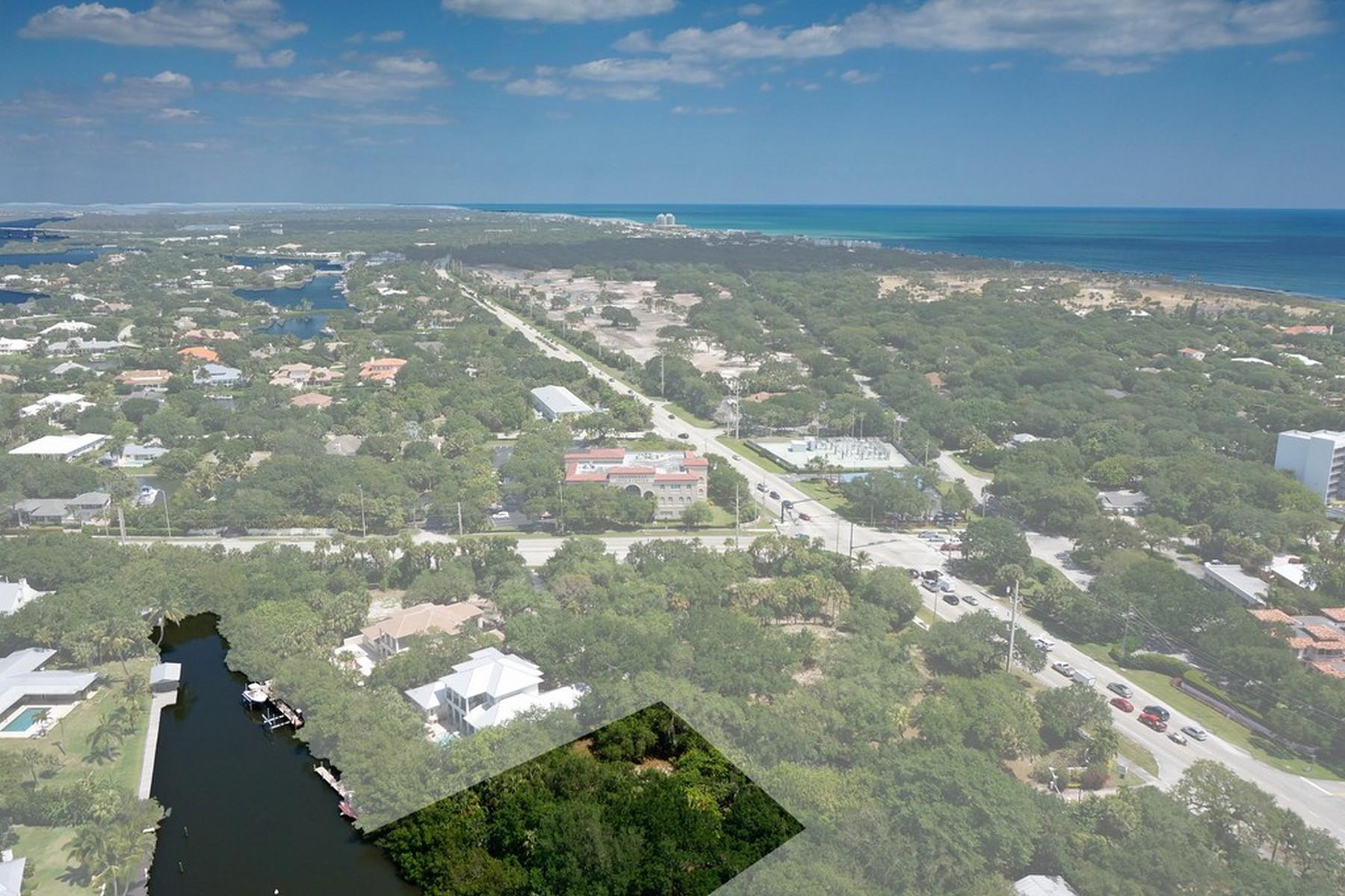 Terreno para Venda às Canal front vacant land in Riomar Cove 1645 Riomar Cove Lane Vero Beach, Florida 32963 Estados Unidos