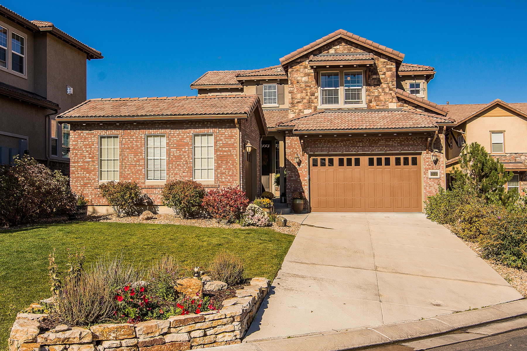 Single Family Home for Sale at Great home with fabulous curb appeal 10445 Willowwisp Way Highlands Ranch, Colorado 80126 United States