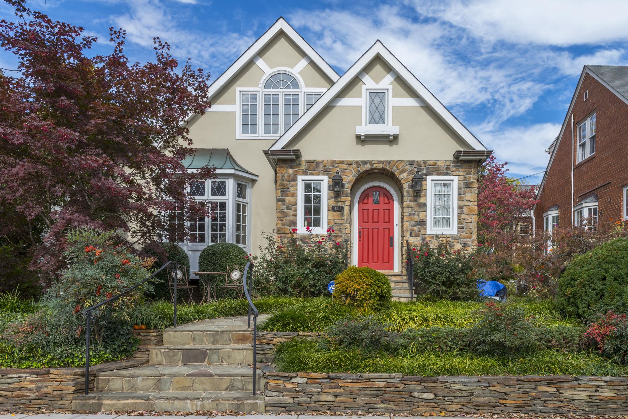 Casa Unifamiliar por un Venta en 4337 Ellicott Street Nw, Washington Washington, Distrito De Columbia 20016 Estados Unidos