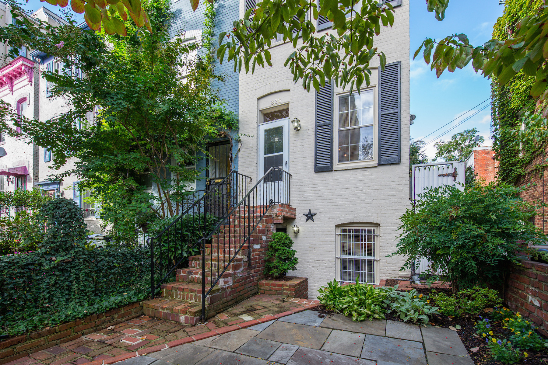 Townhouse for Sale at 828 25th Street Nw NW, Washington 828 NW 25th Street Nw Washington, District Of Columbia 20037 United States