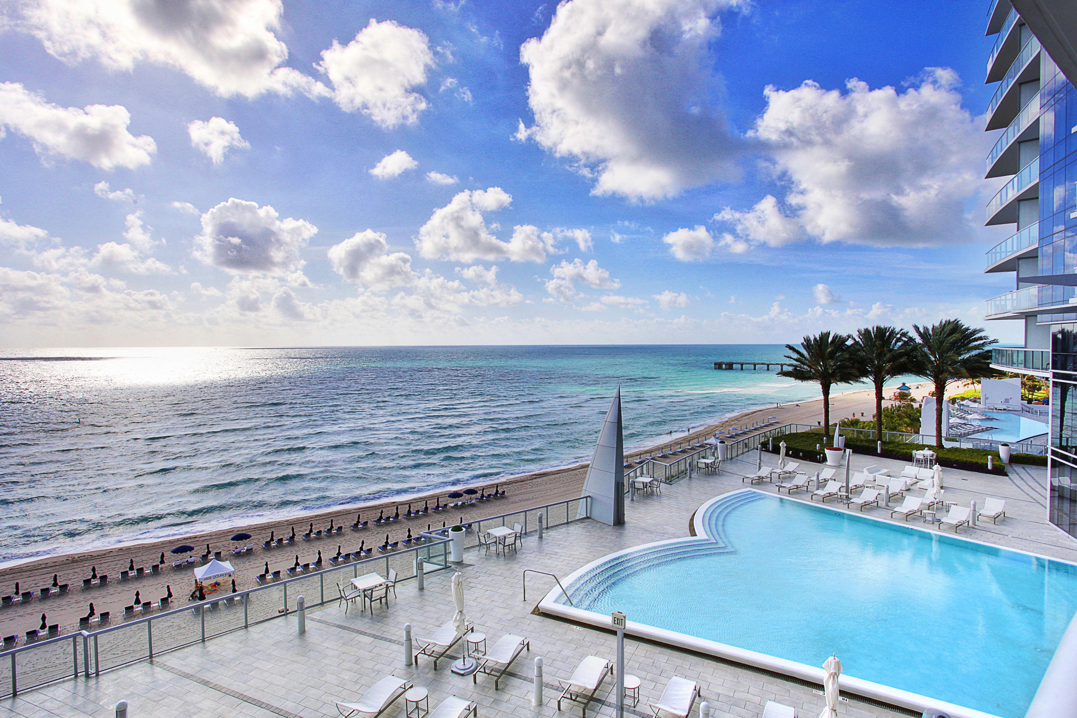 Eigentumswohnung für Verkauf beim 17121 Collins Av Unit 807 Sunny Isles, Florida 33160 Vereinigte Staaten