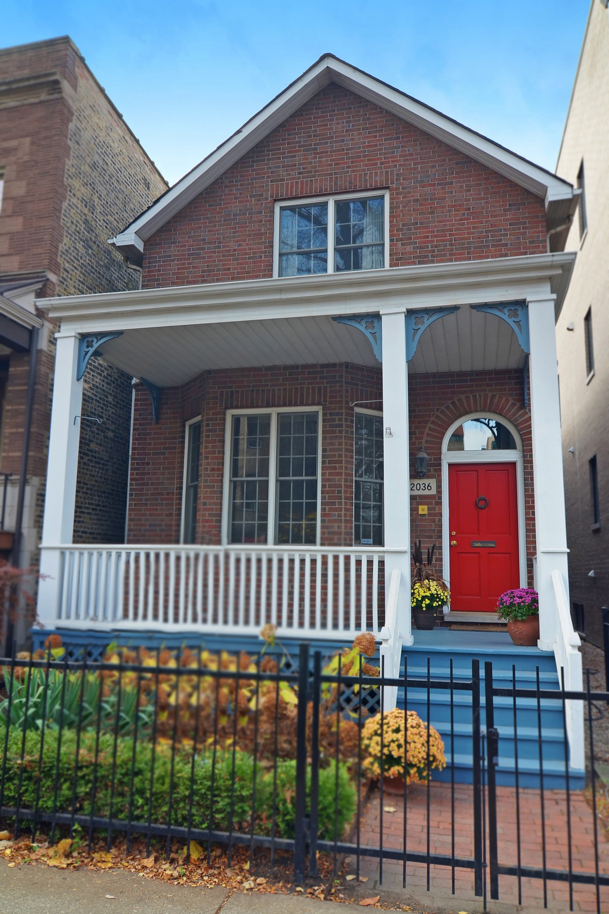 独户住宅 为 销售 在 Perfect Home in Depaul Neighborhood 2036 N Racine Avenue Lincoln Park, Chicago, 伊利诺斯州 60614 美国