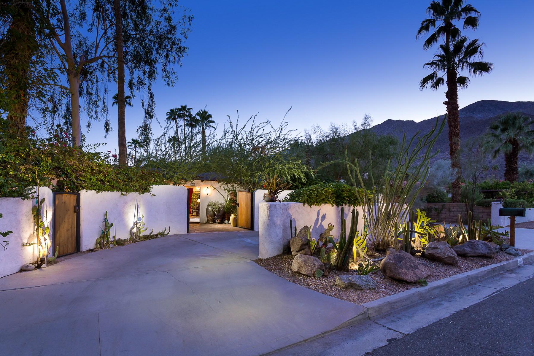 Villa per Vendita alle ore 227 East Ocotillo Avenue Palm Springs, California 92264 Stati Uniti