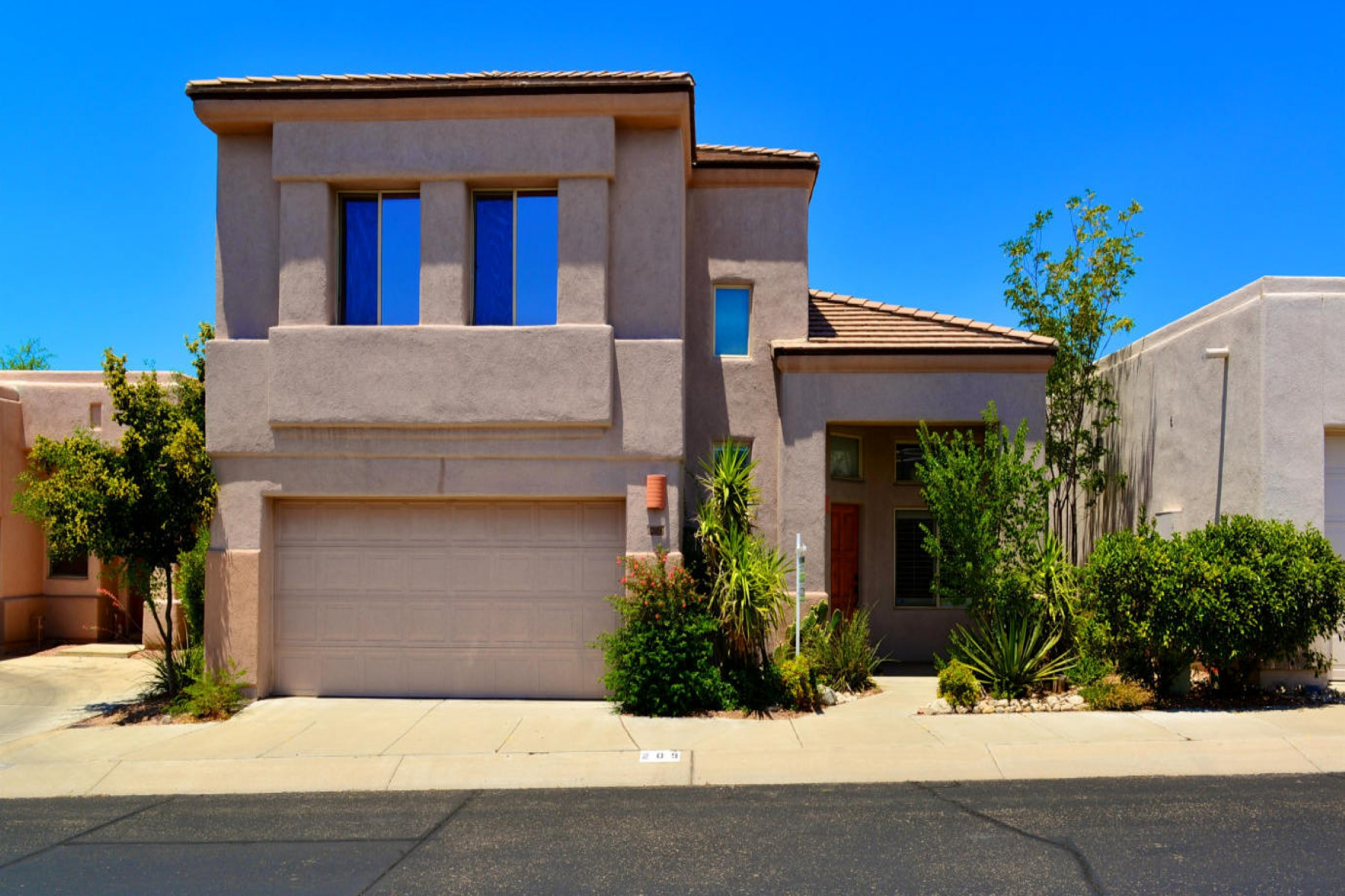 一戸建て のために 売買 アット Well maintained contemporary home with beautiful mountain views 209 E Calle Zavala Tucson, アリゾナ, 85704 アメリカ合衆国