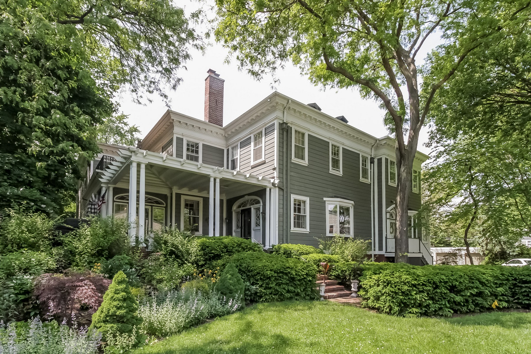 Villa per Vendita alle ore A Truly Rare Offering Of The Original Colonial Mansion 1404 Oak Avenue Evanston, Illinois, 60201 Stati Uniti