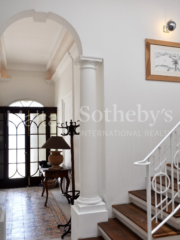 Property Of One Of A Kind Seafront Maisonette