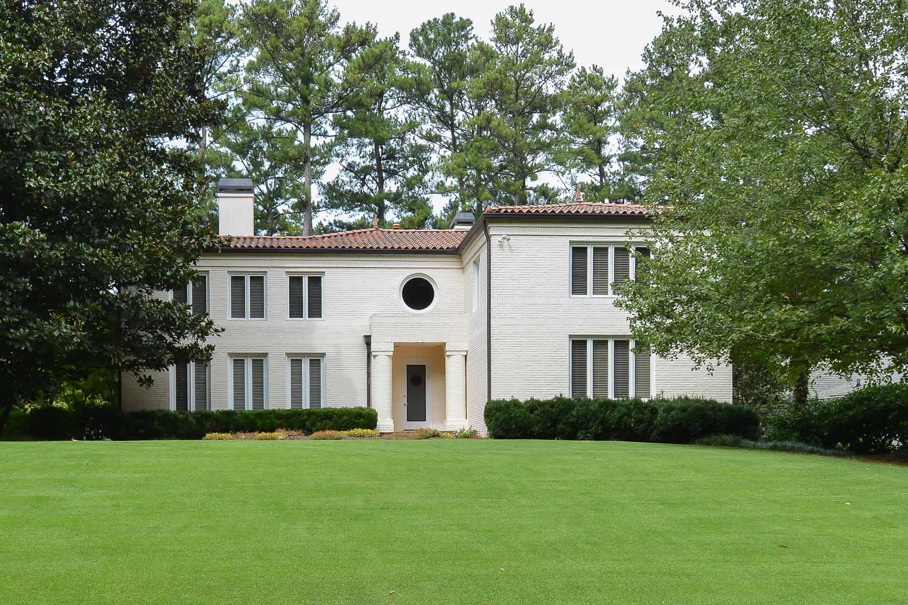 Casa Unifamiliar por un Venta en Stunning Morningside landmark residence. 1676 W Sussex Road NE Atlanta, Georgia 30306 Estados Unidos