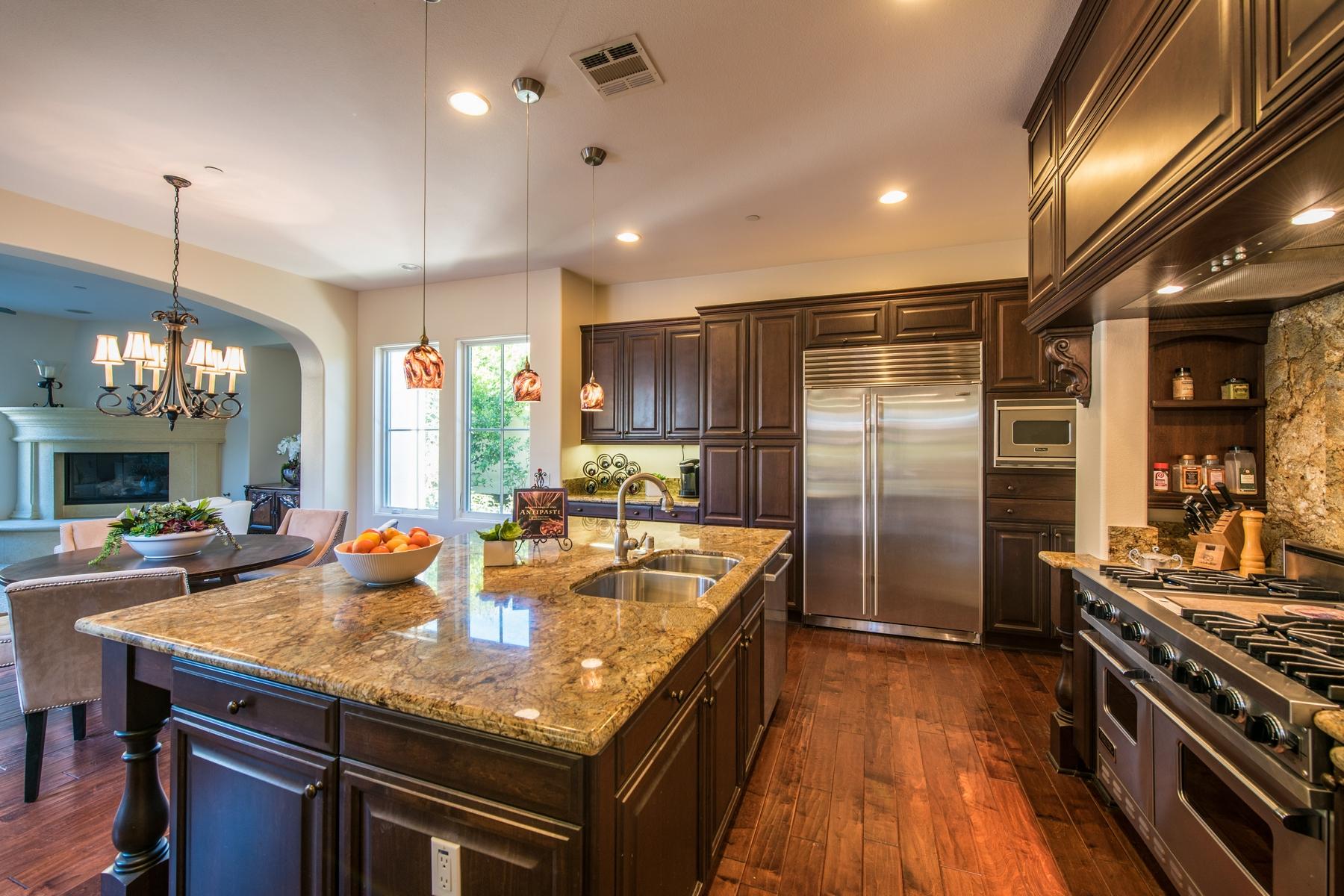Single Family Home for Sale at 17039 San Antonio Rose Court La Jolla, California, 92127 United States