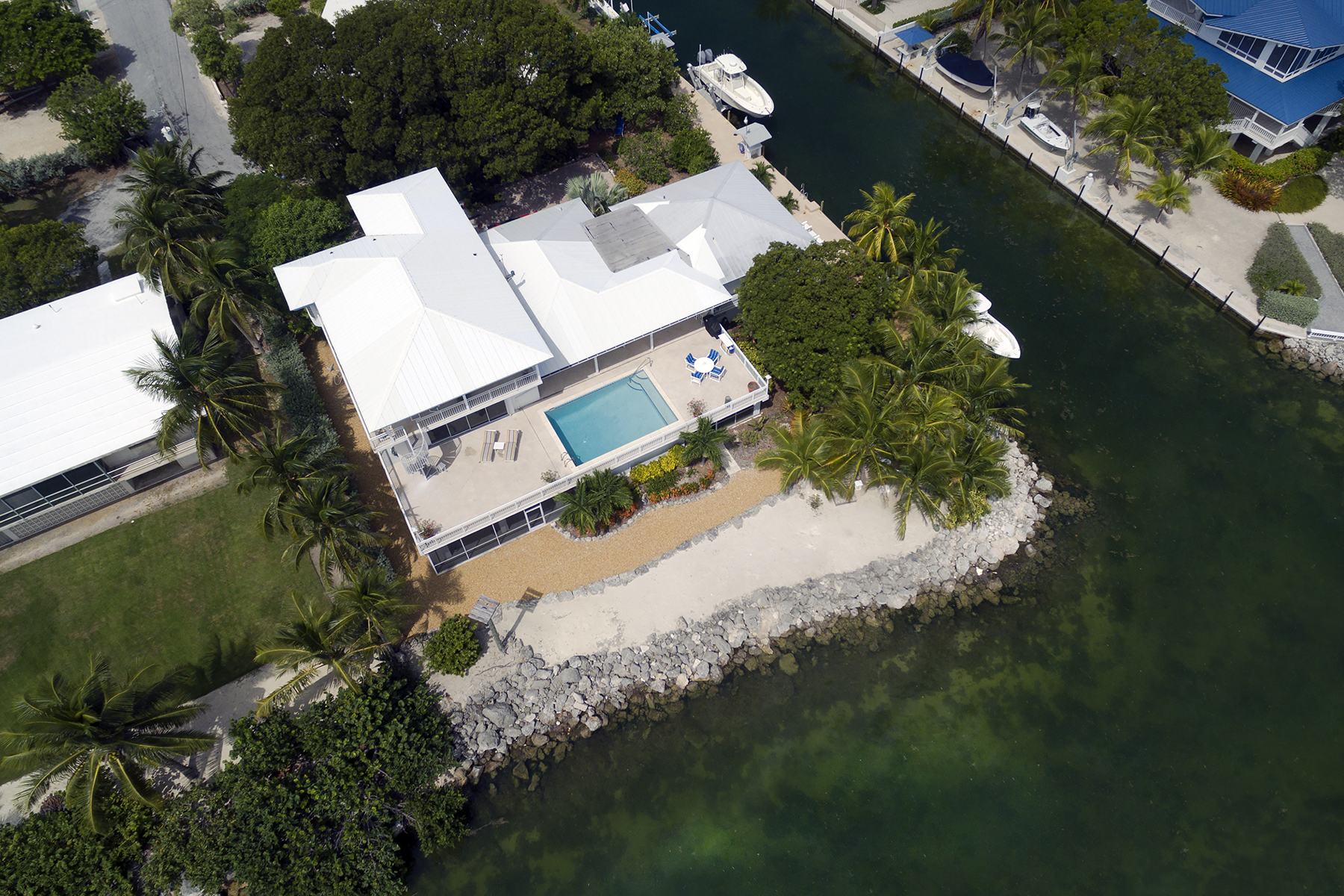 Additional photo for property listing at Exclusive Oceanfront Location 213 Plantation Drive Plantation Key, Florida 33070 Estados Unidos