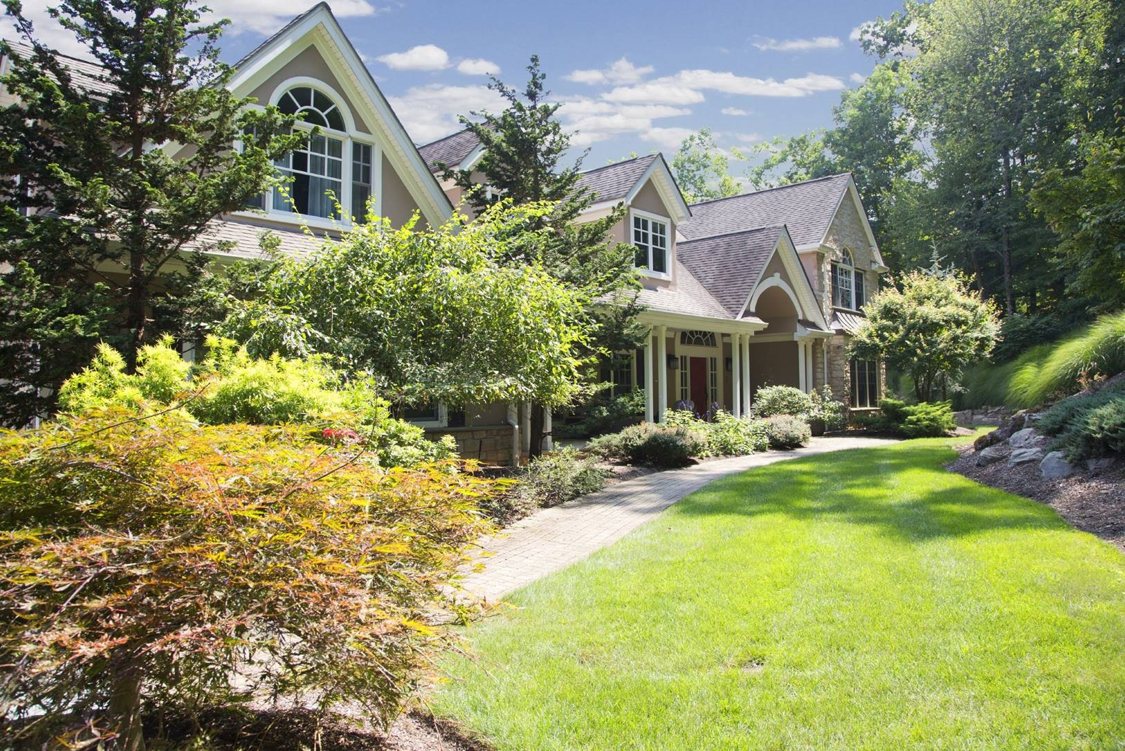 واحد منزل الأسرة للـ Sale في Impeccable Manor. 20 Shinnecock Trail, Franklin Lakes, New Jersey, 07417 United States