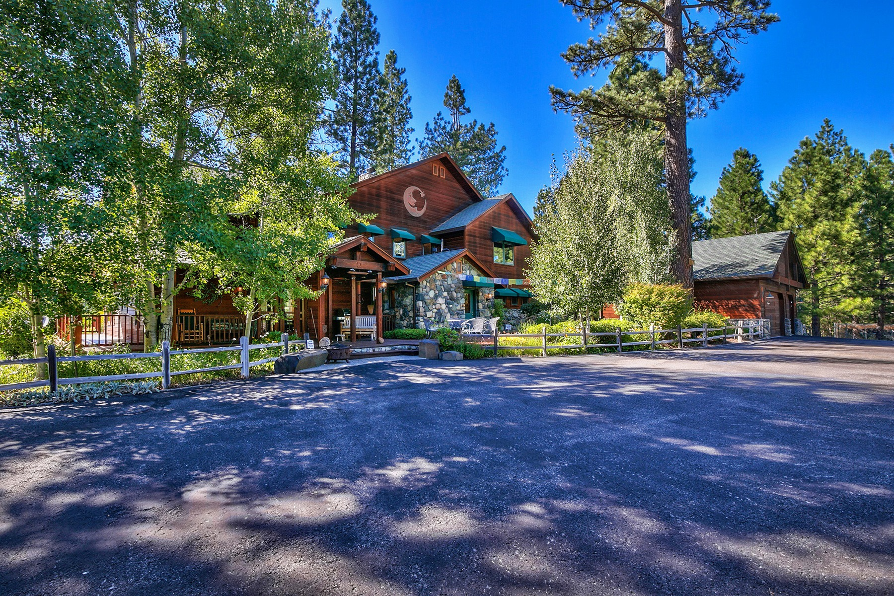 Single Family Home for Active at 482 Smith Creek Road Graeagle, California 96103 United States