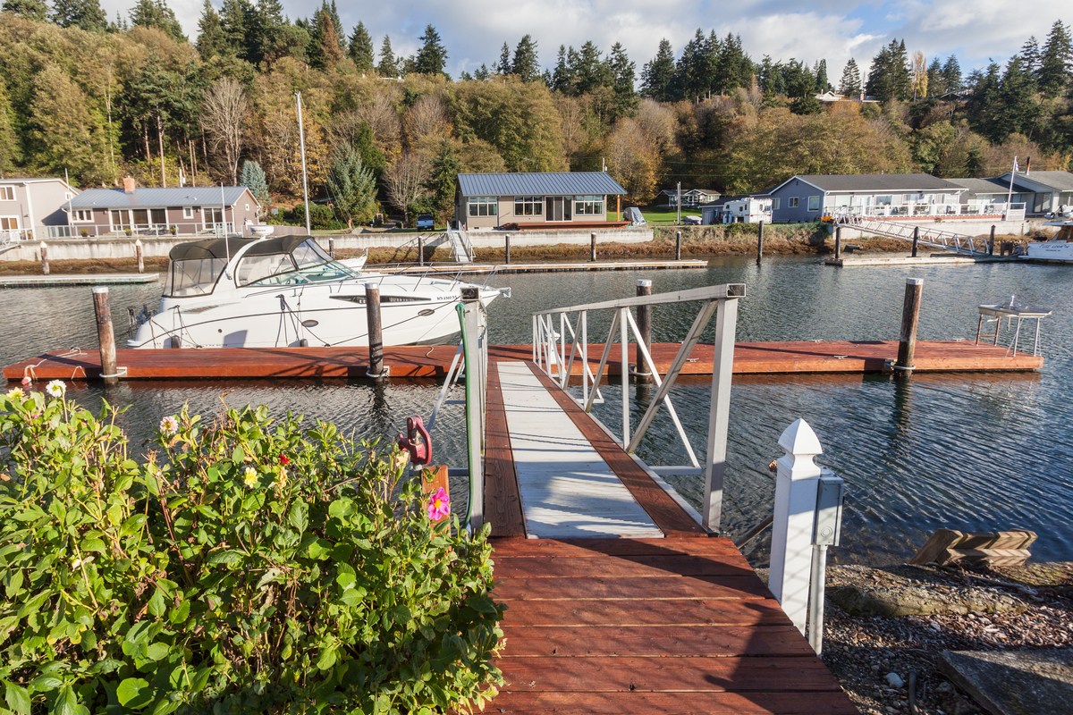 Single Family Home for Sale at Whidbey Waterfront Cabin 3725 Steelhead Dr Greenbank, Washington, 98253 United States